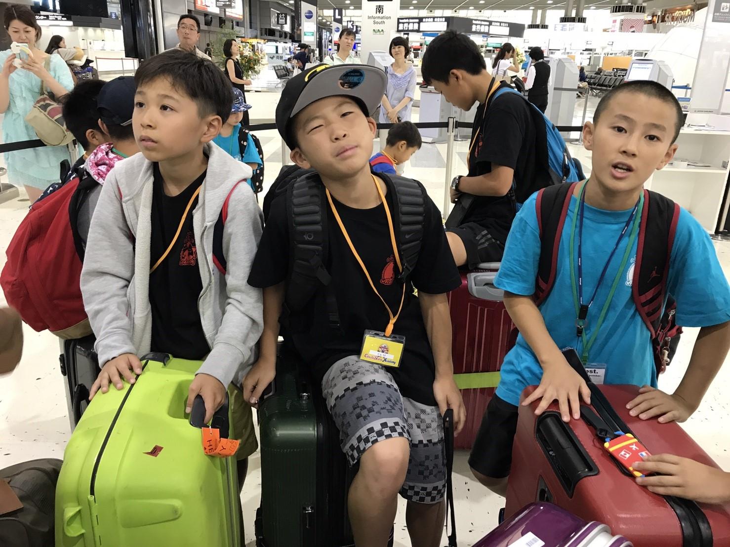 空港に着きました〜!